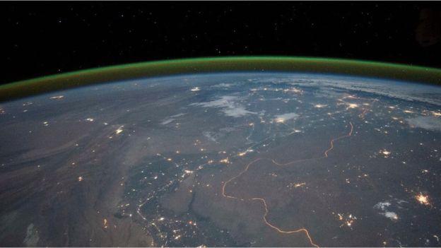 Зеленое свечение атмосферы Земли